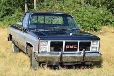 Sierra Classic Pick-Up V8 automatic