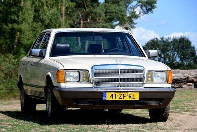 380 SEL Sedan