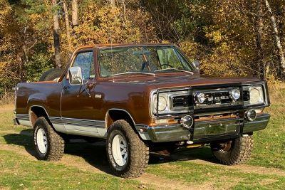 Plymouth Trailduster 5.2 V8 4x4