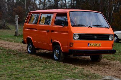 Volkswagen T3 Bus (9 persons)