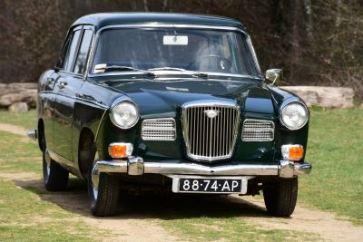 Wolseley 16/60 Saloon Automatic