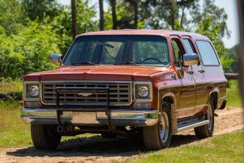 Chevrolet Suburban 454 Big Block Automatic