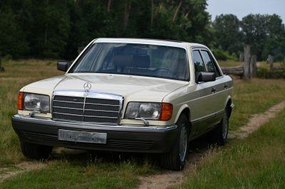 Mercedes-Benz 500 SE Sedan (W126)